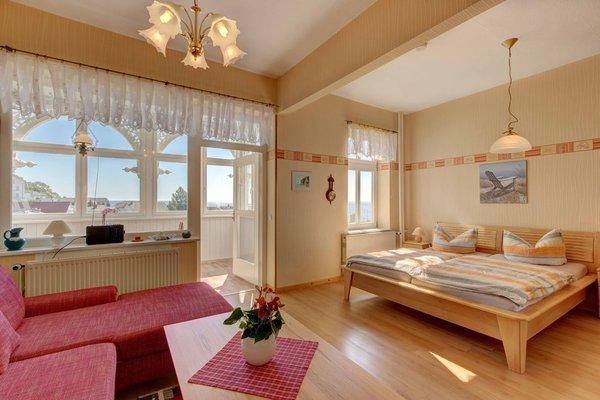 Wohn-Schlafzimmer - Doppelbett