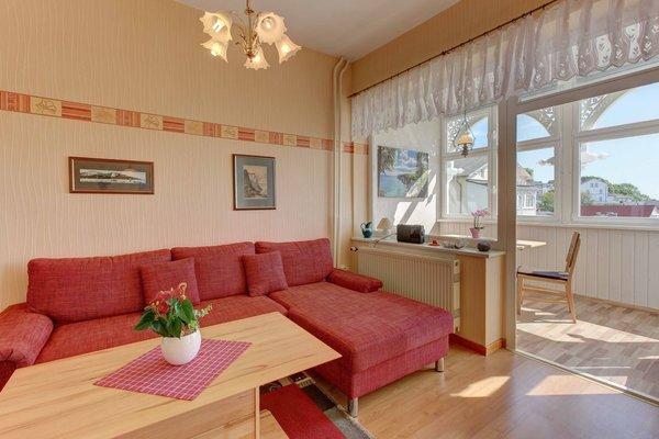 Wohn-Schlafzimmer - Sitzgarnitur