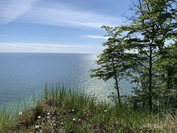 Wandern entlang der Steilküste