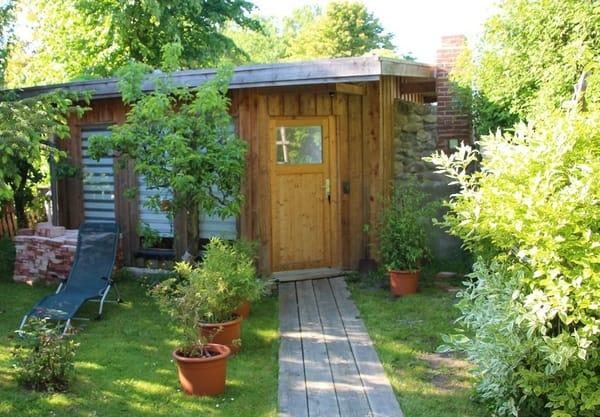 Saunahäuschen im Garten