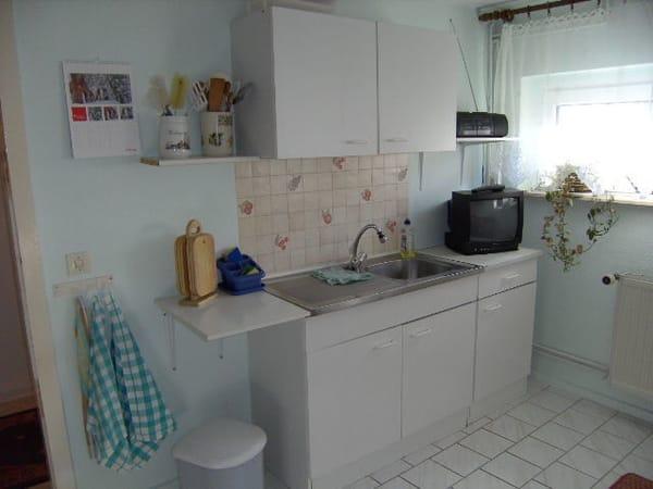 Küchenbereich, dazu einen Essbereich zum Sitzen