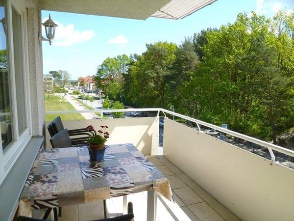 Überdachter Balkon mit Ostseeblick