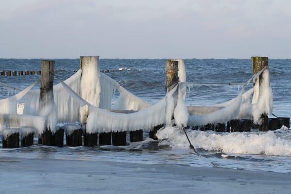 Eiskunst am Meer
