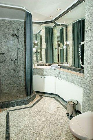 Duschbad mit Fussbodenheizung