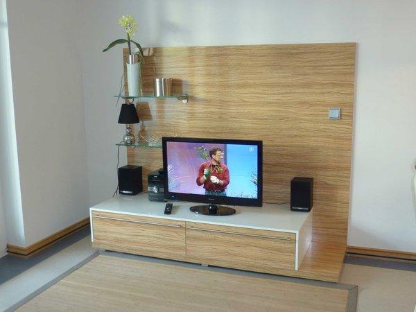 Flachbildschirm mit digitalem Sat-TV