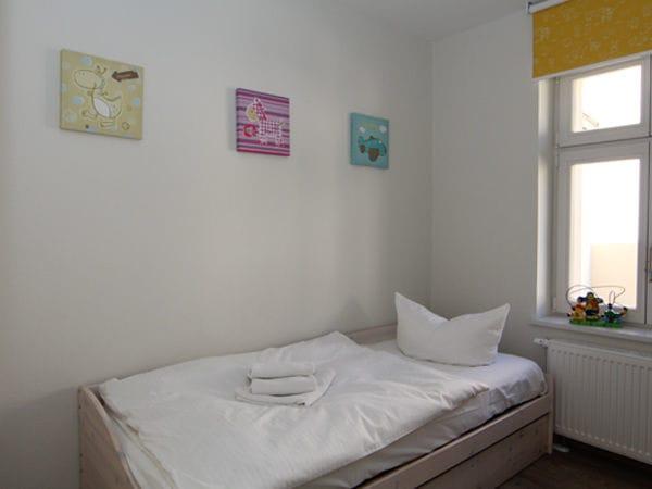 2. Schlafzimmer mit Tandembett