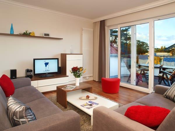 Das 3-Zimmer-Appartement befindet sich im 2. Obergeschoss der Villa und bietet mit seinen 78 Quadratmetern viel Platz für Familien mit bis zu 6 Personen. Im exklusiven Wohnbereich können Sie auf den