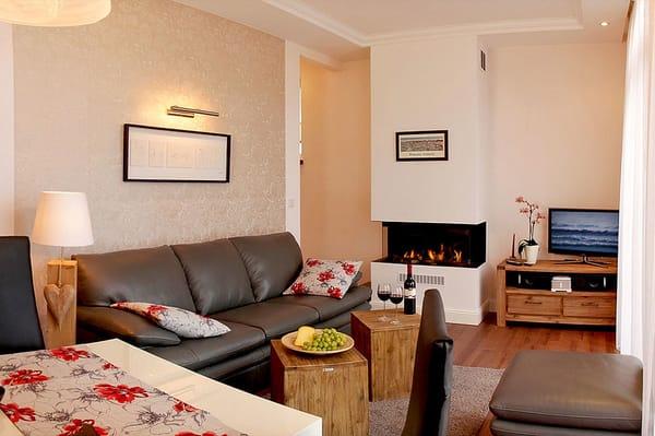 Im Appartement Nr. 6 genießen Sie die schönste Zeit des Jahres: Ihren Urlaub. Gebührend verbringen Sie diesen auf 55 Quadratmetern im geschmackvoll eingerichteten 3-Zimmer-Appartement.