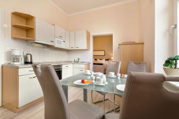 Die separate Küche ist komplett ausgestattet.