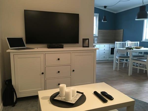 Wohnbereich mit Flat TV