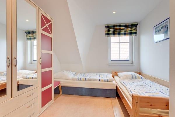 zweites Schlafzimmer mit 2 einzelnen Betten