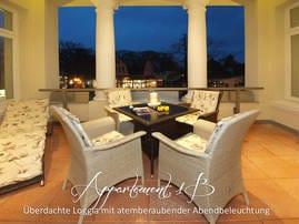 Wer das perfekte Dinner lieber im Freien genießen möchte, findet auf der Privatterrasse des Appartements Nr. 1a oder auf der wunderschönen mit Säulen besetzten Veranda des Appartements Nr. 1 b .......