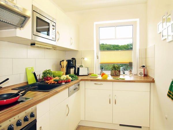 separate gut ausgestattete Küche