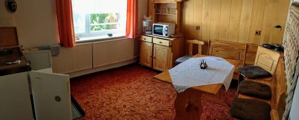Wohnraum u. Küche