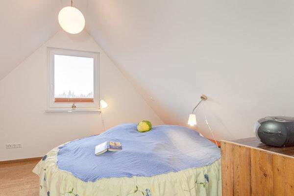 Schlafbereich mit rundem Bett 2 m Durchmesser