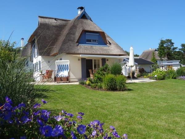 Ruhe und Entspannung bieten unser Traumhaus und unser 700 qm großer Garten mit Südausrichtung
