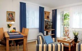 Das Appartement verfügt über einen kombinierten Wohn- u. Essbereich, von dem Sie den Balkon erreichen. Das Sofa, Sessel sowie TV bieten Entspannung Pur. Absolutes Highlight ist die moderne Technik ..