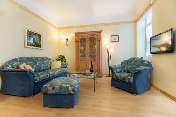 Auf der Couch kann für 1 bis 2 Personen aufgebettet werden.
