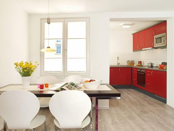 offene Küche mit Essplatz