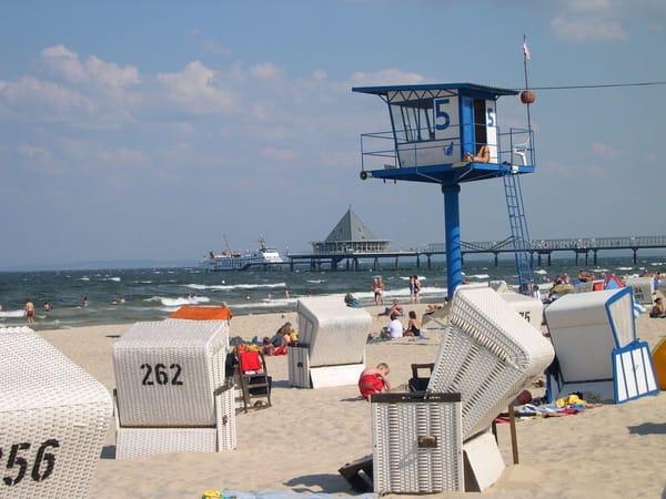"Strandleben im ""Seebad Heringsdorf""."