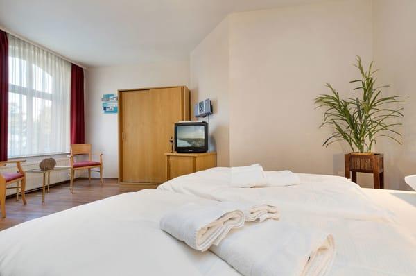 villa gl ckspilz 2 zimmer ferienwohnung dolcevita seeblick binz r gen ostsee. Black Bedroom Furniture Sets. Home Design Ideas