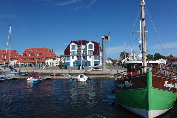 Blick auf das Haus vom Hafen aus