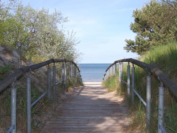 Strandübergang gegenüber des Grundstücks