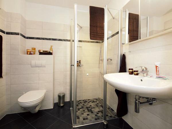 Duschbad ohne Fenster