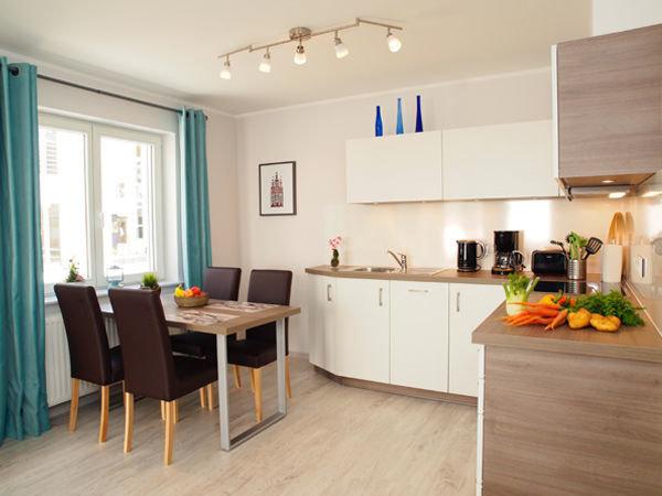 integrierte Wohnküche mit Eßplatz