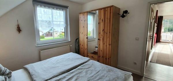 ...grosse Kleiderschränke in allen Schlafzimmern...