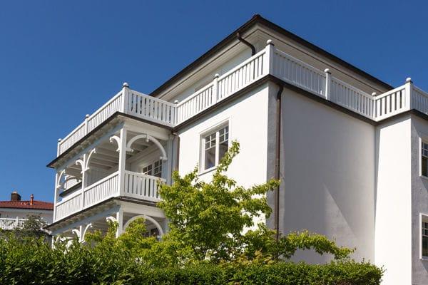 Villa Grieben - Blick zur fast umlaufenden Dachterrasse.