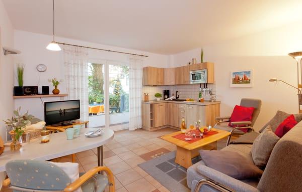 Urlaub im Grünen ...Das Zwei-Zimmer-Appartement befindet sich ebenerdig und bietet mit seinen 40 Quadratmetern ausreichend Platz für einen erholsamen Urlaub zu zweit oder auch zu dritt.