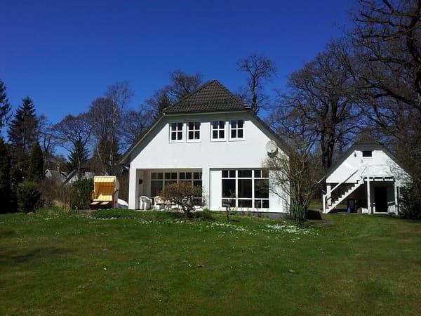 Terrasse mit Gartenblick nutzbar