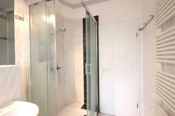 Tageslichtbad mit Dusche