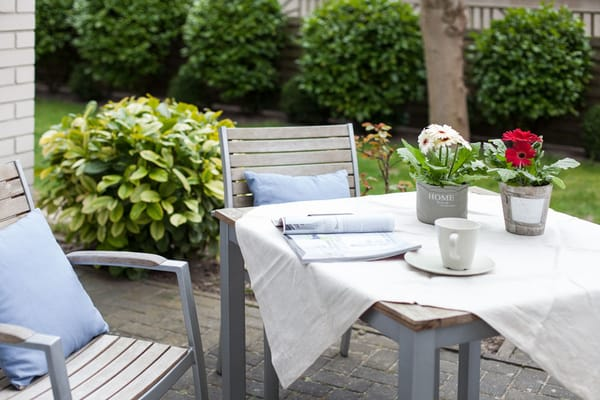 Außenterrasse begehbar von Küche und Wohnraum