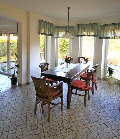 Essbereich, Zugang zur Terrasse und Garten