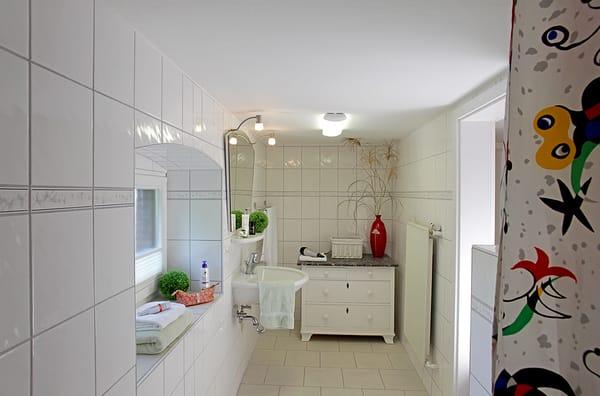 Die Ostsee befindet sich nur 150 m Luftlinie entfernt. Ein kostenfreier W-LAN-Zugang sowie ein Stellplatz direkt am Haus runden den Urlaubskomfort dieses Appartements ab.