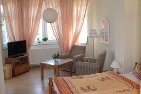 Gästezimmer Obergeschoss - Sitzecke im Erker
