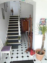 Gästeflur und Aufgang zum Obergeschoss