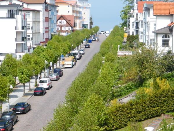 Blick von einem Balkon auf die Wilhelmstraße