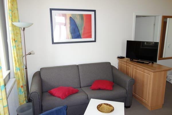 Wohnzimmer und TV Wohnung 1