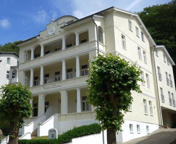 Villa Celia Frontansicht: Mit neuem Anstrich in 2017
