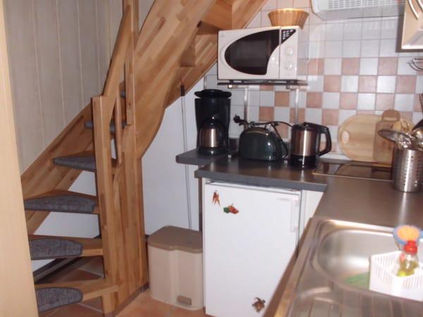 Küche (Treppe zu den Schlafzimmern)