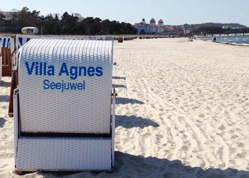 Von Mai - September steht ein Strandkorb kostenfrei für Sie bereit.