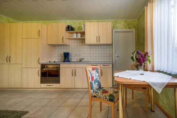 Küche mit Eßbereich