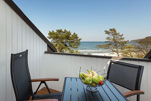 Hier im Bild der Balkon mit herrlichem Meerblick.