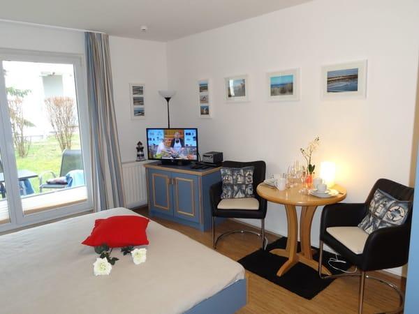 """Blick in das neu renovierte Appartement mit 32"""" LED TV und HiFi Anlage"""