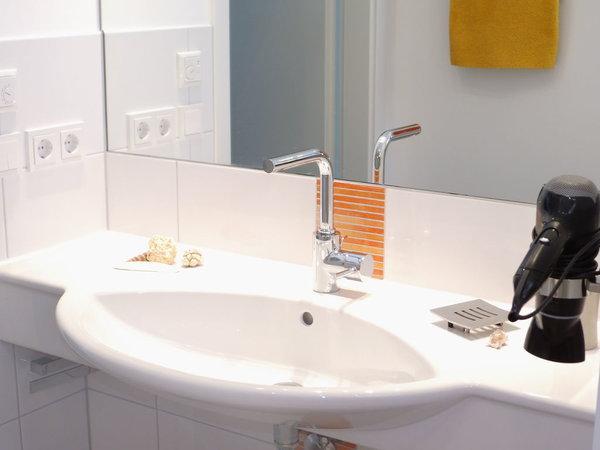 Moderner Waschtisch für gute Laune am Morgen