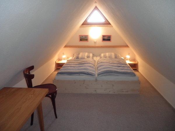 Doppelbett im Spitzboden, Stehhöhe