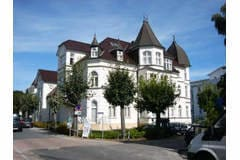 Bild: Schloss Hohenzollern  70 m zum STRAND